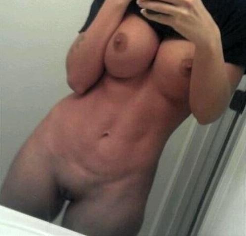 מורן השרמוטה בסרט סקס עם הפלאפון בעירום